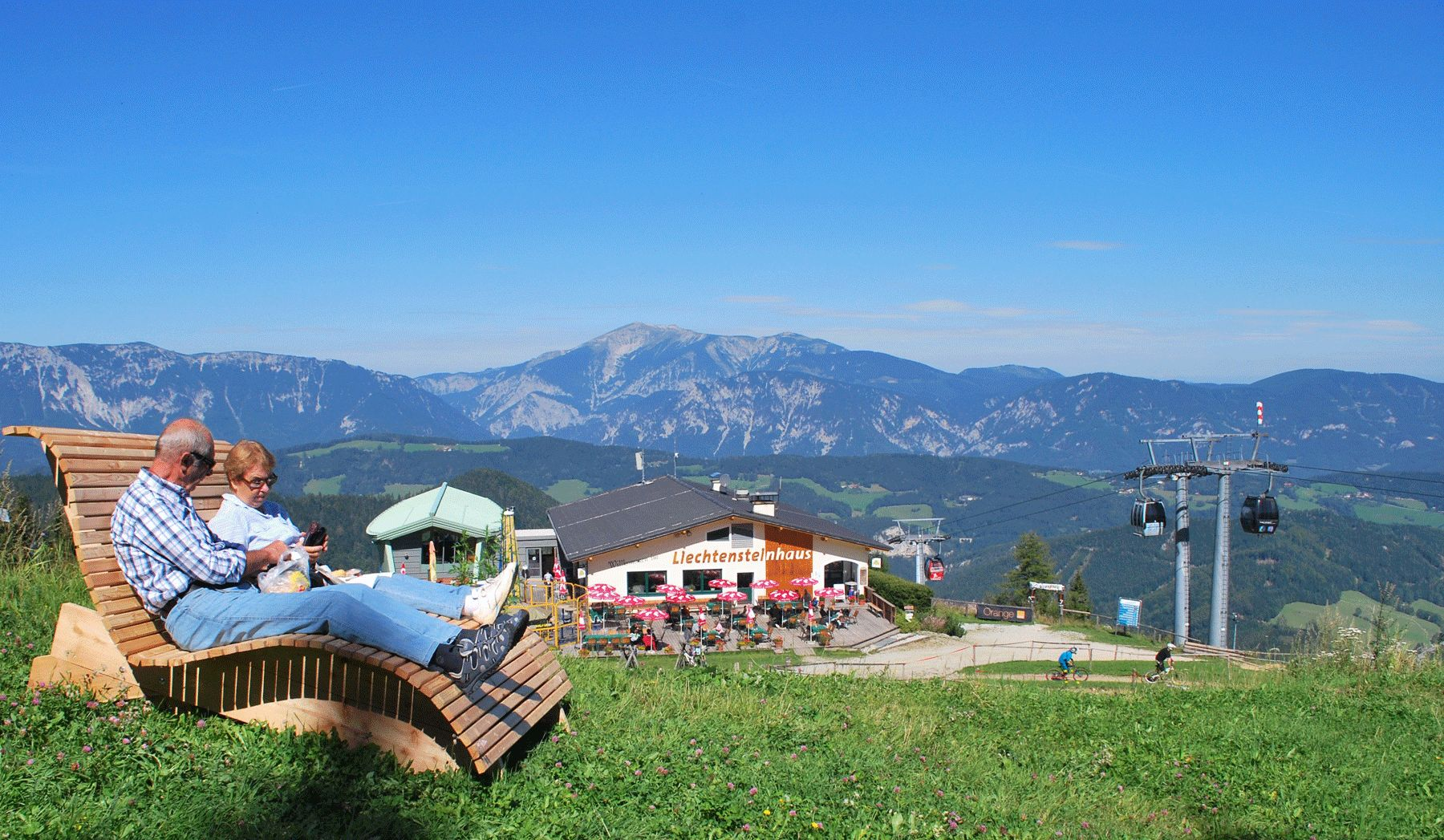 Bergpanorama Liechtensteinhaus Semmering web