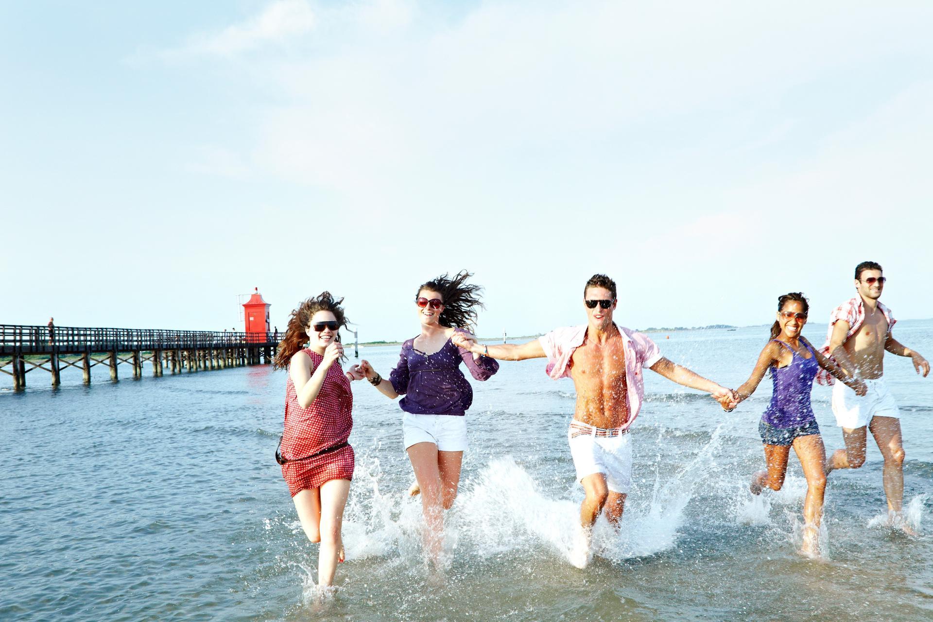Lignano ragazzi spiaggia Massimiliano Zambelli