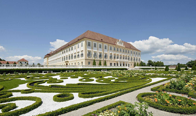 Schloss Hof c Hertha Hurnaus
