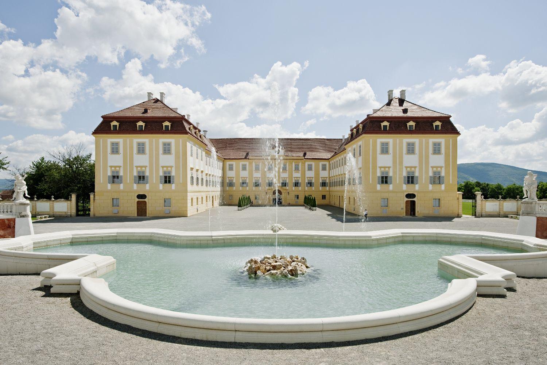 Schloss Hof Neptunbrunnen c Hertha Hurnaus