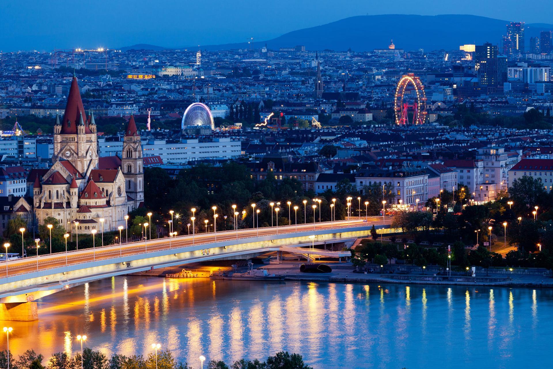 Wien bei Nacht Prater iStock 483201541 web